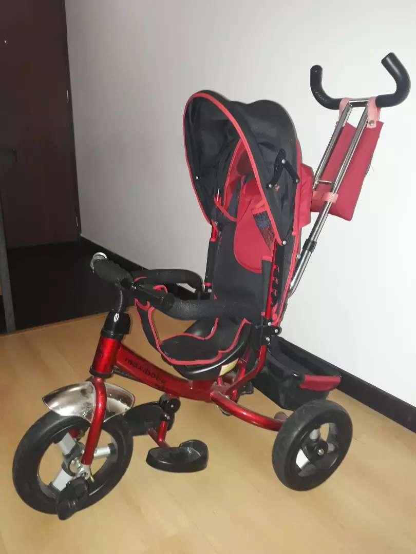 Coche Triciclo Paseador Como nuevo Ganga 0