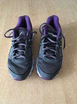 Zapatillas Asics usadas