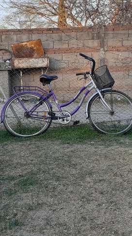 Vendo bici de mujer .excelente estado