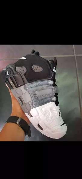 Tenis en bota Nike UP Tempo caballero