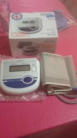 Vendo tensiometro digital de brazo marca CITIZEN NUEVO