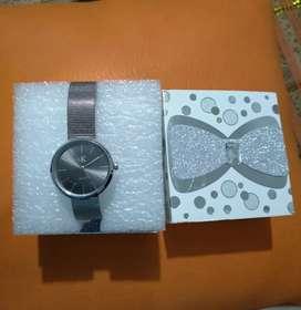 Vendo reloj para dama.
