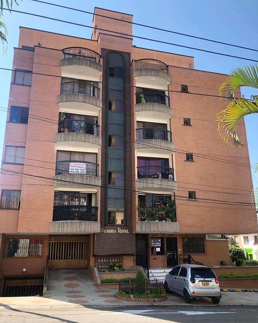 Barrio LA AURORA Cedo Contrato de Arrendamiento (3 hab + servicio)- Canon $880 mil incluida la adm; ^Muy economico^ 0