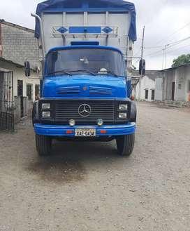 Camion mercedes_Benz a precio negociable