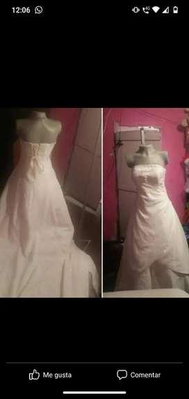 Venta de más de 12 vestidos de matrimonio ,primera comunión y bautizo