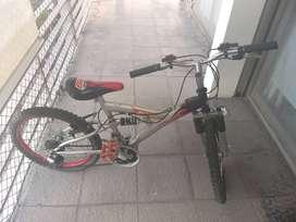 Rodado 16 con cambios casi si  uso , lista para usar recien salida del bicicletero