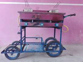 Se alquila carrito de Papipollo, 2 freidoras,3 hornillas economico