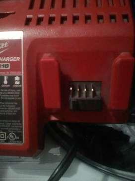 Cargador de batería Milwaukee m12 y m18