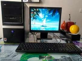 Computador de escritorio en excelente estado