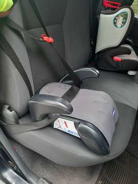 Silla de niño para auto.