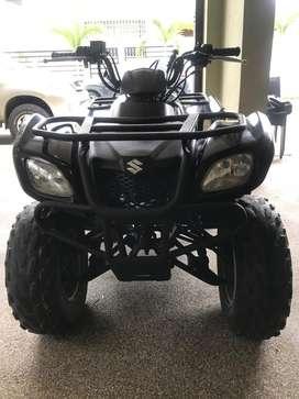 Cuadron negro suzuki 250 cc