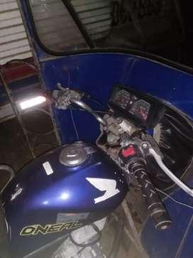 Se vende Moto taxi con chasis de Honda 150