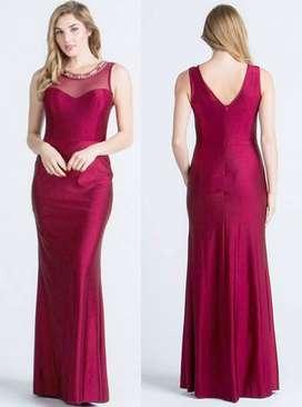 Alquiler de vestido elegante para mujer color vino tinto $-100.000