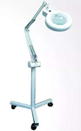 Lámpara Profesional Con Luz Led y Lupa
