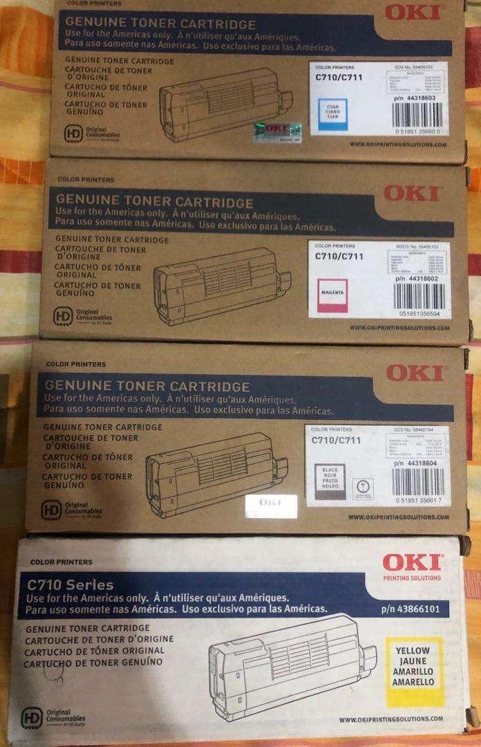 Toners Oki C710 C711 el Juego de 4 colores 0