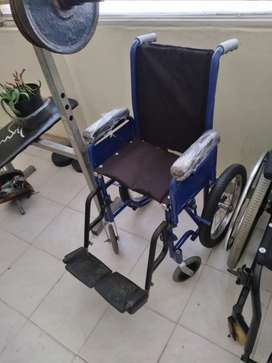 Vendo silla d rueda pequeña
