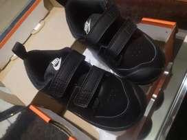 Zapatillas nike originales de niño talla 25