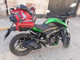 Por emergencia  se vende moto dominar 400 UG