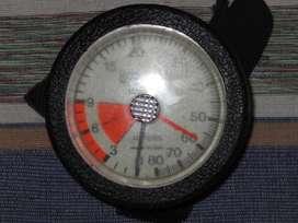 Profundimetro de muñeca analógico,  regulable Italiano hasta 80 m. Cuadrante luminoso.