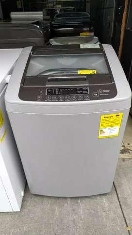 Hoy en venta lavadora LG 26 libras