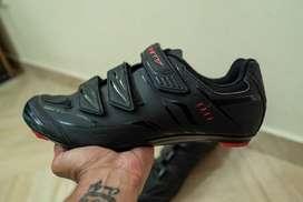 Se venden zapatillas GW Peak para ciclismo de ruta - Estado 10/10