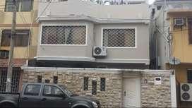 Casa de 2 pisos + terraza (5 habitaciones)