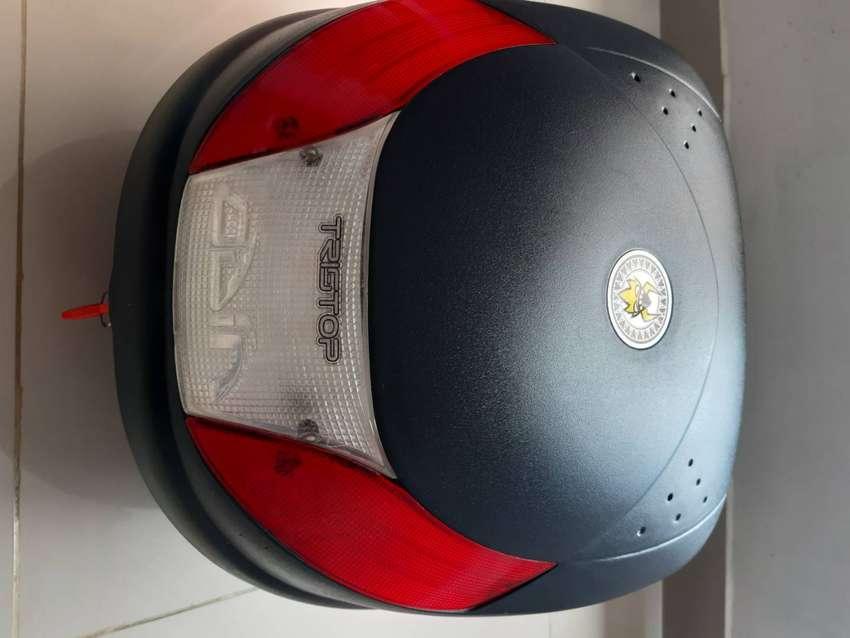 Se vende maletero para motocicleta