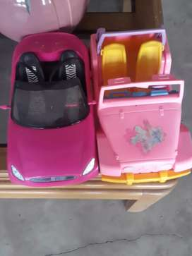 Se venden carros de la barbie y muñequitas de polly pocket