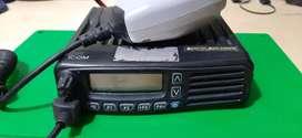 RADIO MOTOROLA MARCA ICOM VHF