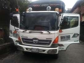 Camion HINO 2011