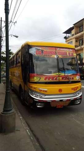 Vendo bus  Volskwagen 17210 Carroceria Busscar brasileña Al dia en documentos y con trabajo y cupo