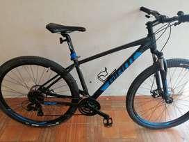 Vendo Bicicleta marca GIANT Talón 4