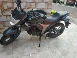 Vendo moto suzuki modelo GSX150