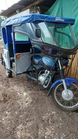 Vendo mototaxi honda gl 150 semi nueva año 2019 bien conservada