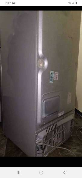 En  su casa a domicilio reparamos neveras nevecones lavadoras secadoras reparacion mantenimiento llamenos al WhatsApp