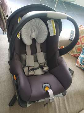Silla de bebé para carros, tiempo de uso: 1 año, en perfecto estado