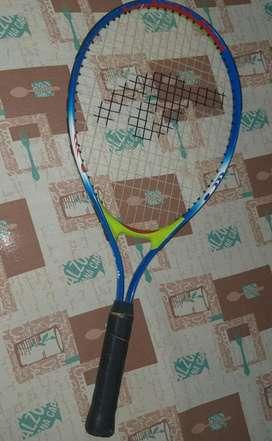 Vendo Raqueta de Tenis Aurik Original