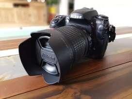 Cámara Nikon D300 + lente Nikon 18-105 mm