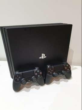 Vendo PS4 PRO con 2 JOYSTICKS originales