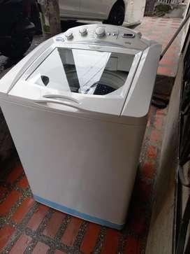 Se vende lavadora CENTRALES de 32 libras
