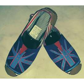 zapatillas suela roja bandera azul fondo azul talla 37 con envio gratuito