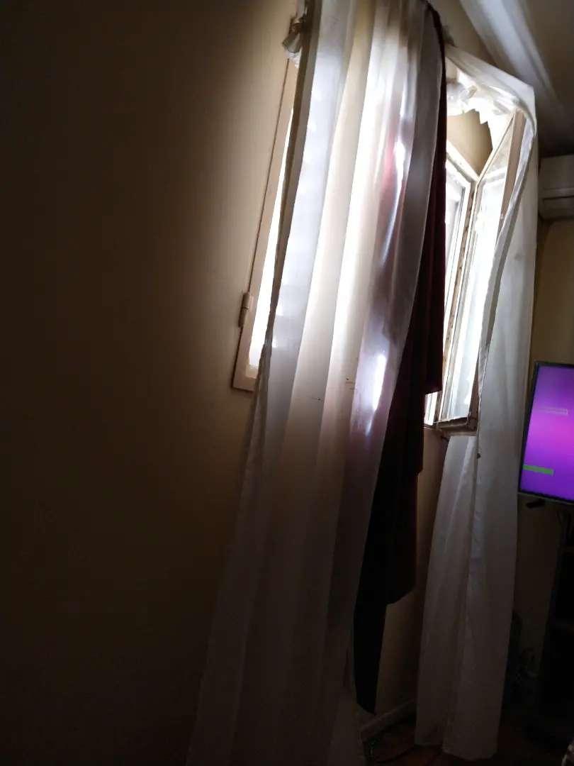Alquiler habitación para hombre solo amoblada.