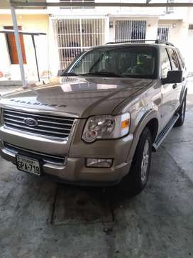 Venta de Ford explorer 3 filas full documentos al día