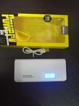Se vende power bank digital nuevo de 20000