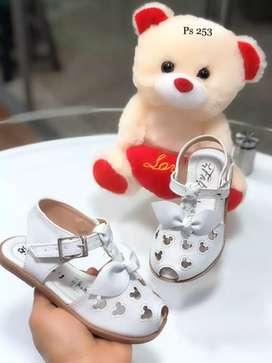 Sandalias de niña Mickey