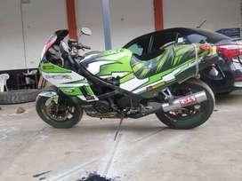 Vendo moto kawasaki