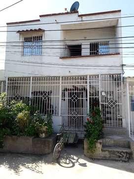 Oportunidad remato casa 2 pisos villa las moras 2s