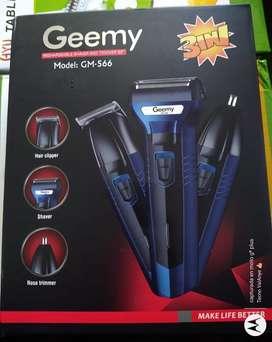 Patillera barbera 3 en 1 Geemy ref 566