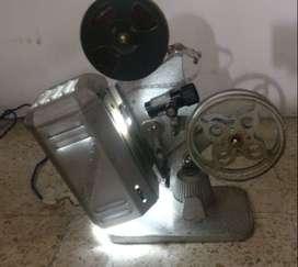 Proyector de películas de 16 mm. Marca HOLLYWOOD (Argentina)