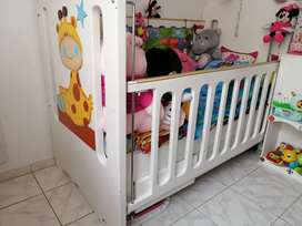 Hermosa cama cuna con mueble cambiador bebe niño niña